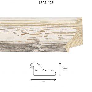 Moldura Grabada de Perfil 1352, en acabado PINO LAVADO BLANCO. Tamaño de la moldura 67mm x 35mm. Rebaje de 24mm x 8mm.