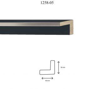 Moldura Lisa de perfil 1258, en acabado PLATA NEGRO. Tamaño de la moldura 40mm x 36mm.