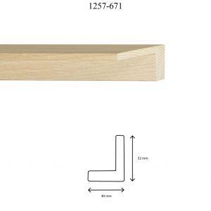 Moldura Lisa de perfil 1257, en acabado CHAPA ROBLE. Tamaño de la moldura 40mm x 52mm.