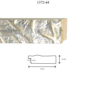 Moldura Grabada de Perfil 1372, en acabado PLATA. Tamaño de la moldura 80mm x 23mm. Rebaje de 14mm x 7mm.